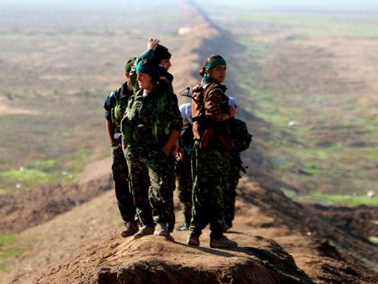 Μέλη της Ταξιαρχίας των Κοριτσιών του Ήλιου (πηγή)