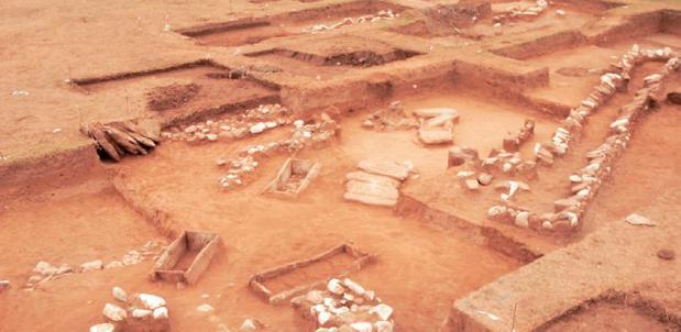 Οι 31 ταφές χρονολογούνται στην Υστερη Εποχή του Χαλκού (1600-1100 π.Χ.)